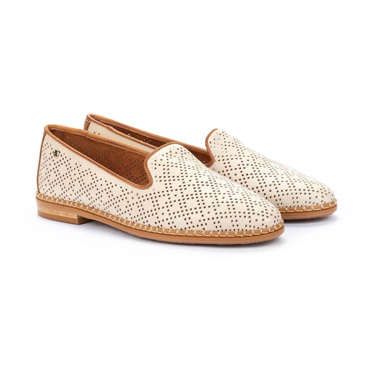 Pikolinos Merida W4F Cream Loafer for women